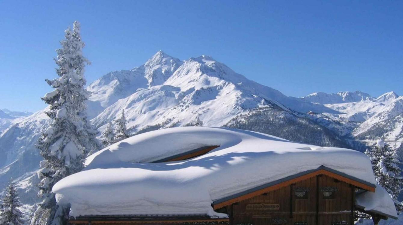 Chalet Les Clarines sous la neige